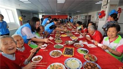 官方:70年来,中国人均预期寿命从35岁提高到77岁